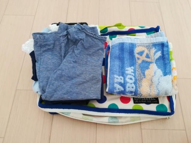 手荷物の着替えやタオル